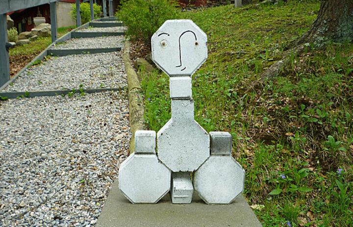 Stone-monseur2-650x418